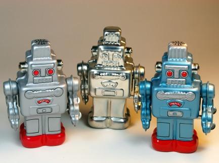 Sanko Seisakusyo (三幸製作所) – Tin Wind Up – Tiny Smoking Spaceman Robots – Front