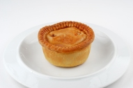 Pork_pie_on_plate