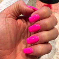 katie-price-hot-pink-nails-manicure.png